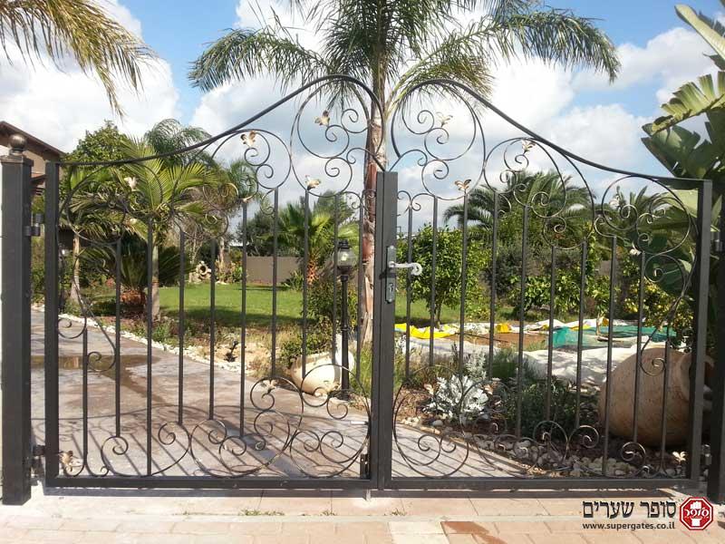שערים לבית פרטי